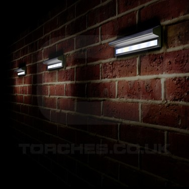 Kensington Solar Wall Light